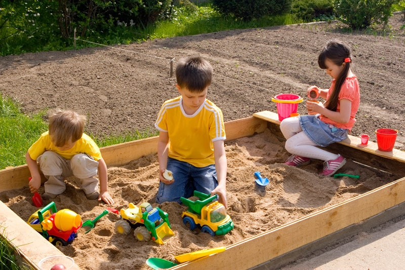 What You Should Know About Backyard Sandboxes