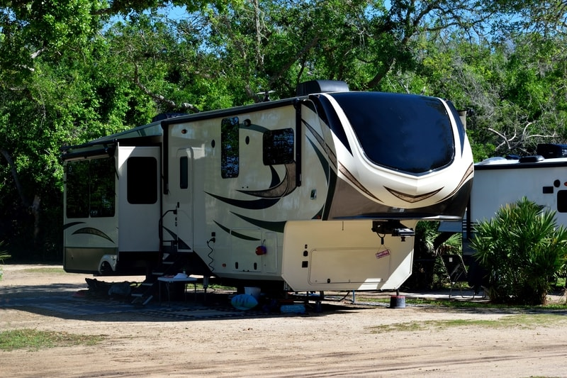 12 Best 2 Bedrooms 5th Wheel Trailers With Pictures
