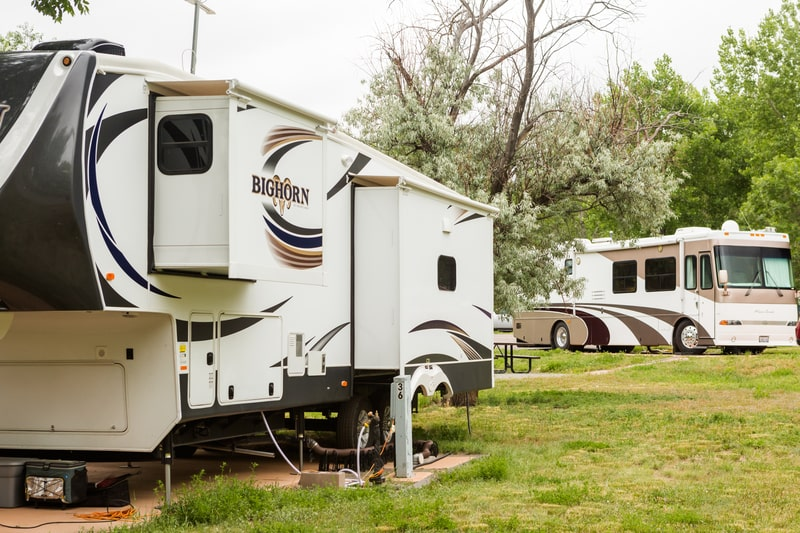 13 Best Small 5th Wheel Trailers With Pictures