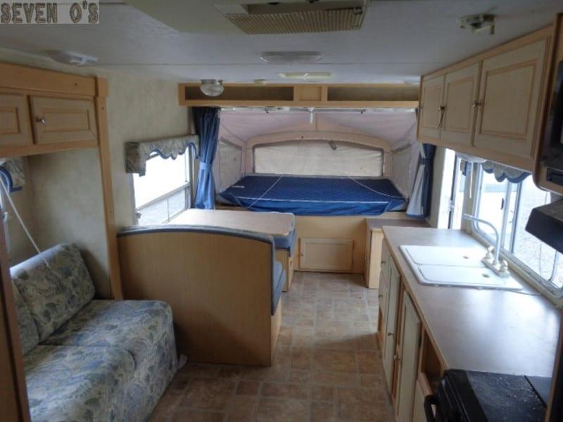 2005 AEROLITE CUB 236 interior