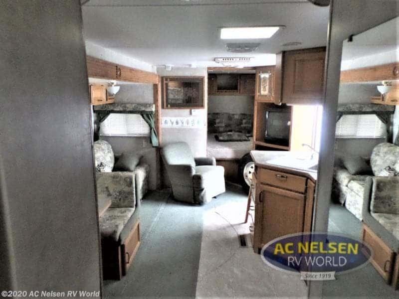 2005 FLEETWOOD WILDERNESS 320DBHS interior