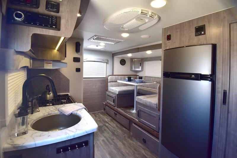2016 Lance 1575 interior