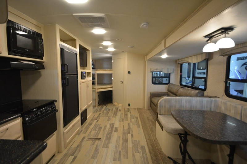 2017 Winnebago Minnie Plus 27BHS interior
