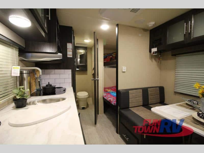 2018 Dutchmen Kodiak Cub 175BH interior