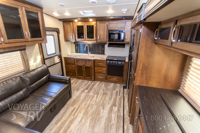 2018 Grand Design Reflection 150 Series 220RK interior