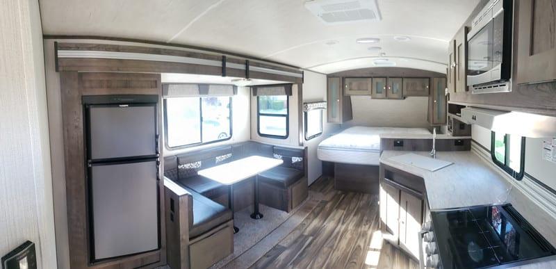 2018 MPG 2120 RB interior