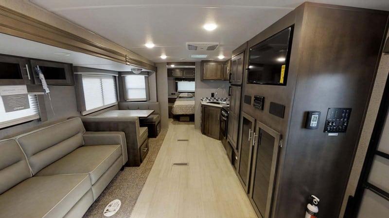 2018 Rockwood Ultra Lite 2606WS interior
