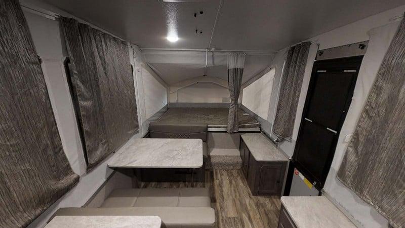 2019 Rockwood Freedom 1940LTD interior