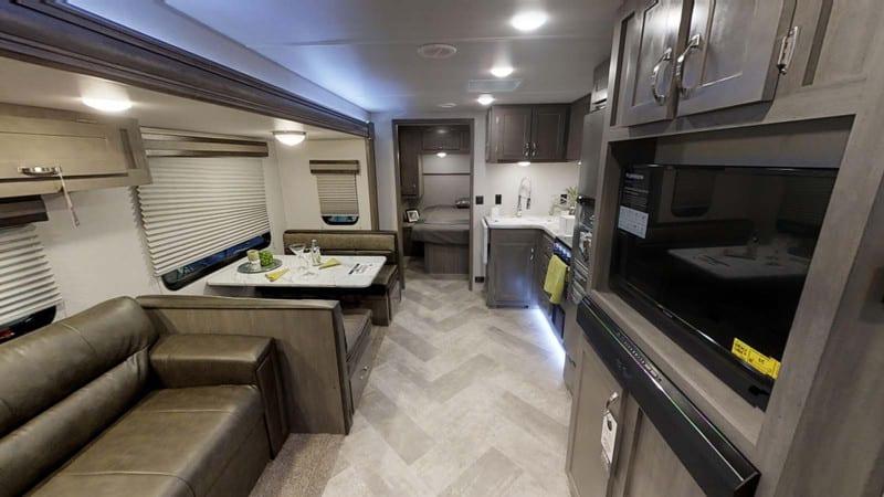 2020 Alta 2600KRB interior