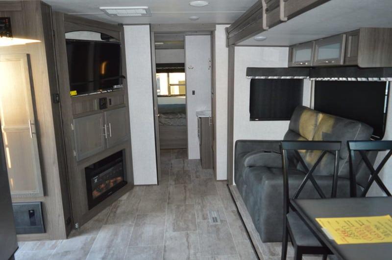 2020 Dutchmen RV Kodiak Ultimate 2921FKDS interior