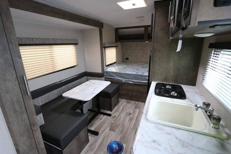 2020 Escape Mini 181UD interior