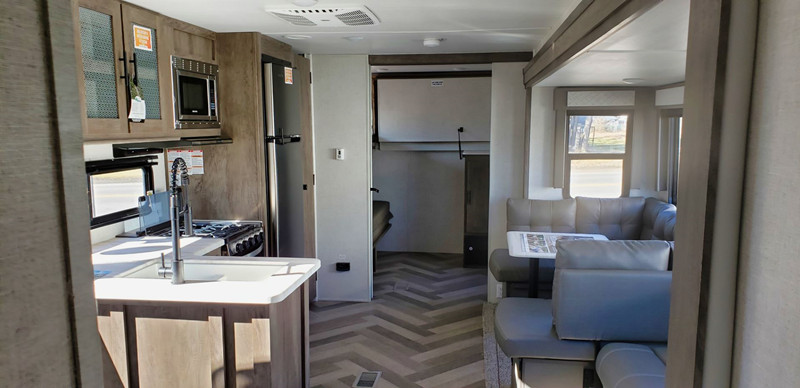 2020 Salem 29VBUD interior