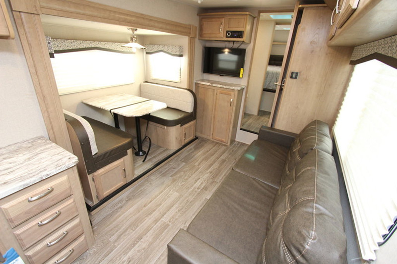 2020 Winnebago Micro Minnie 2405RG interior