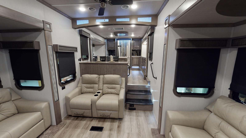 2021 Cedar Creek Champagne 38EFK interior