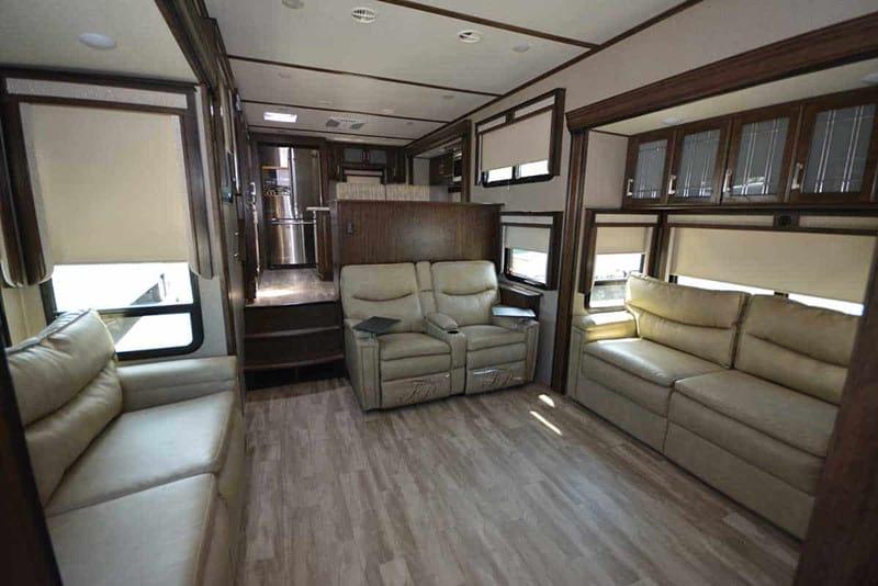 2021 GRAND DESIGN SOLITUDE 390RK interior