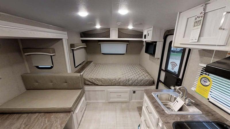 2021 Geo Pro 20BHS interior