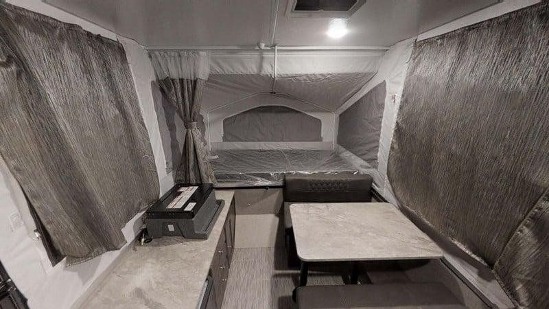 Flagstaff MAC 176LTD interior