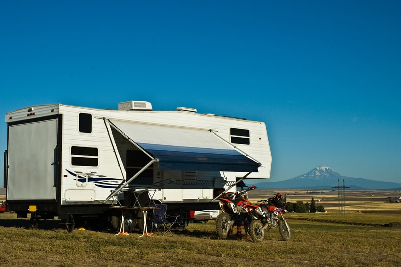 12 Best 5th Wheel Toy Haulers With Pictures