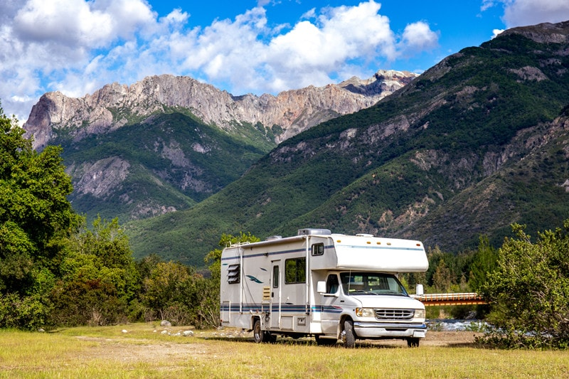 13 Best Class C RVs With Pictures