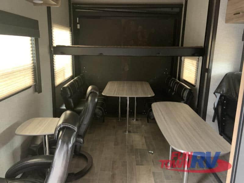 2018 Dutchmen Endurance 3006G interior