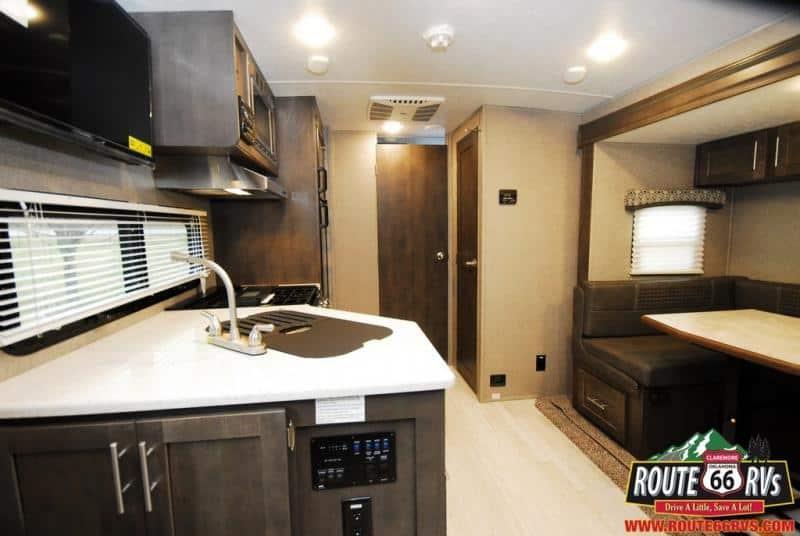 2019 Coachmen Leprechaun 280 SS Class C interior