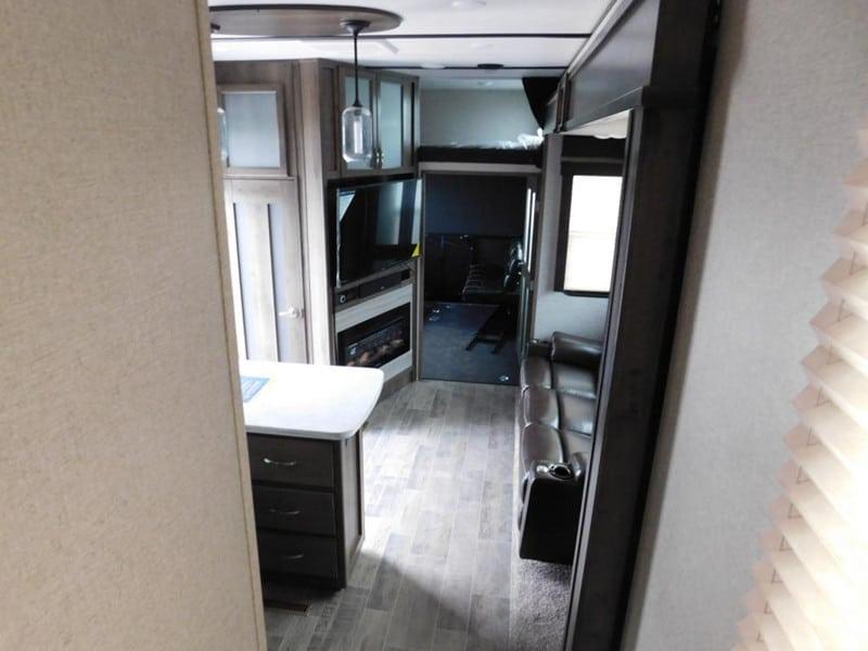 2019 Dutchmen Voltage 3705 interior