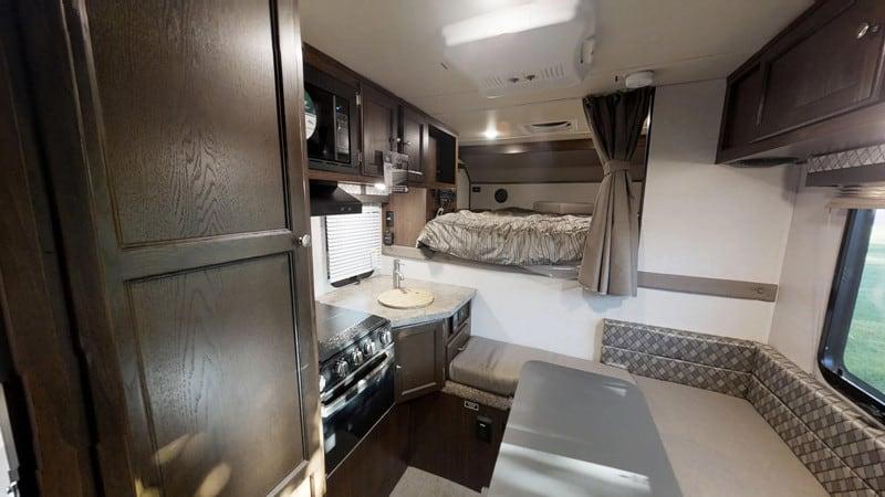 2019 Palomino Backpack HS8801 interior