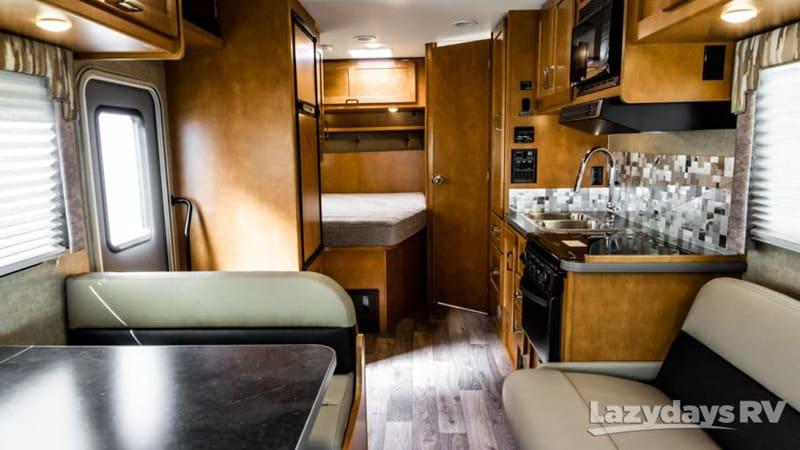 2019 Winnebago Spirit 25B interior