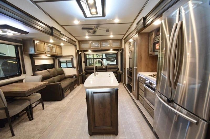 2020 Keystone Montana 3721 RL interior