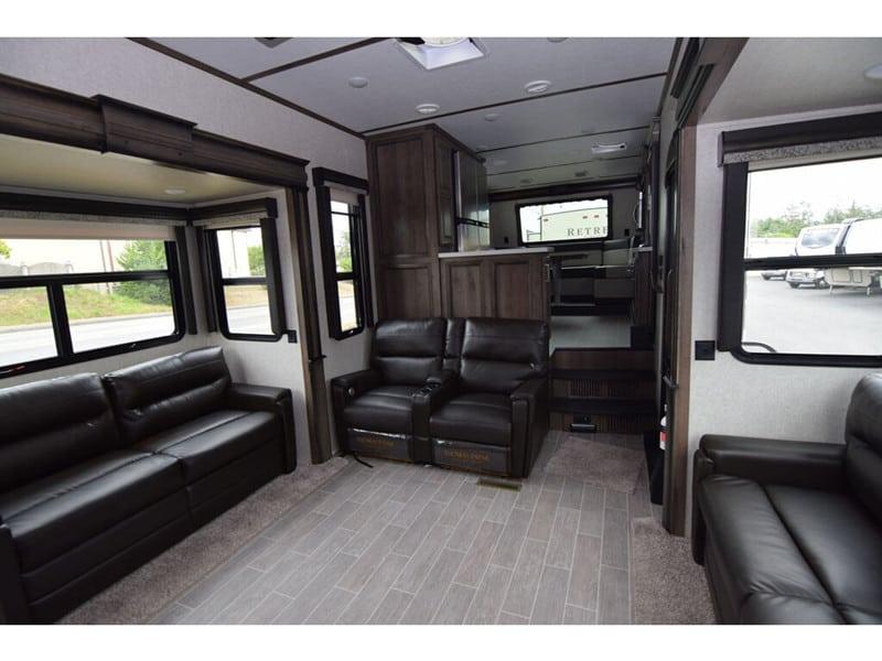 2020 Montana 3740FK interior
