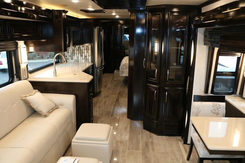 2020 Newmar New Aire 3545 interior