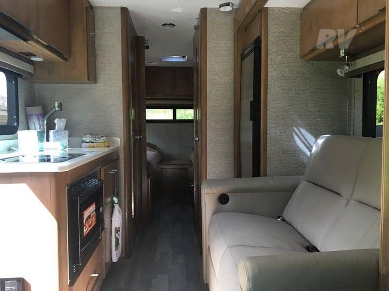 2020 Tiffin Wayfarer 24TW interior