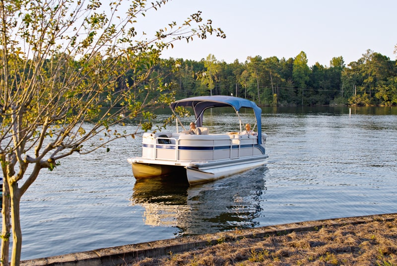 8 Best Small Pontoon Boats With Pictures